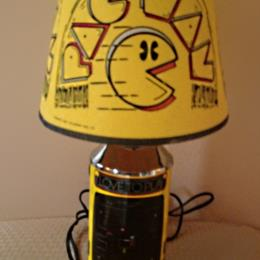 Pac-Man table lamp