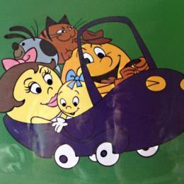 Pac-Man Cartoon: Pac-Family in car