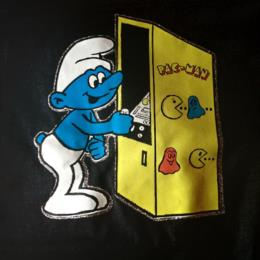Smurf playing Pac-Man t-shirt, iron-on