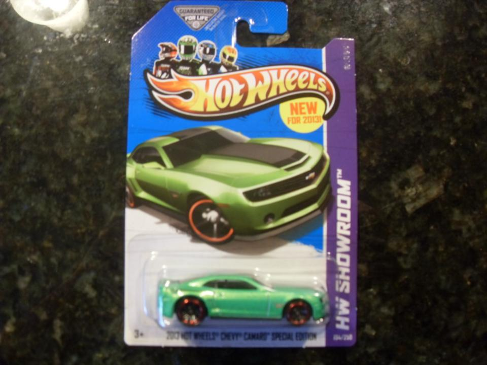 194/250 - 2013 HOT WHEELS CHEVY CAMARO SPECIAL EDITION
