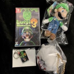 Luigi Mansion 3 (Japan) + Mascot Luigi + Mascot Theresa + Amazon.co.jp Acrylic Keychain by NEXT LEVEL GAMES