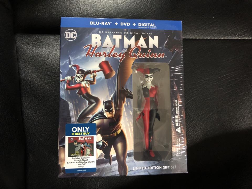 BATMAN and Harley Quinn LIMITED-EDITION GIFT SET (US)
