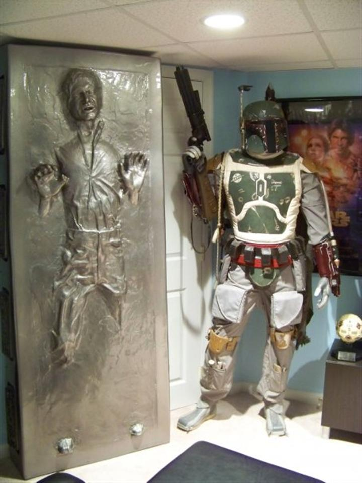 Boba Fett & Han Solo in Carbonite