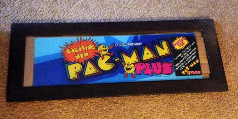 Pac-Man Plus cabaret marquee
