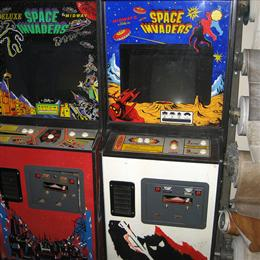 Space Invaders and Space Invaders Deluxe